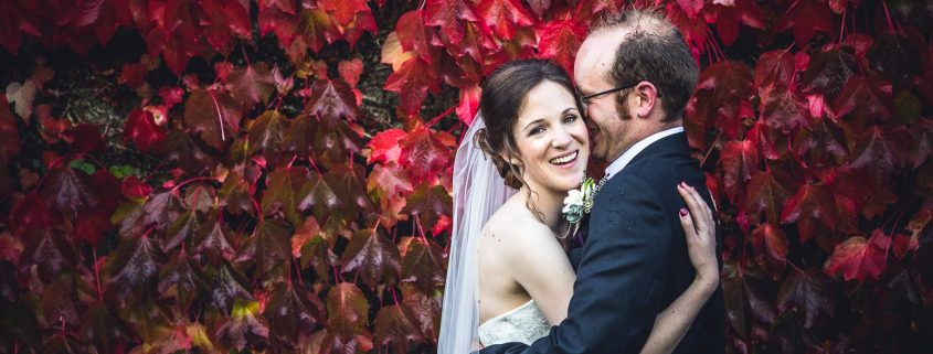 Amy and Simon at The Great Barn Devon, Shooting PIxels photography, autumn wedding, barn wedding, Devon wedding