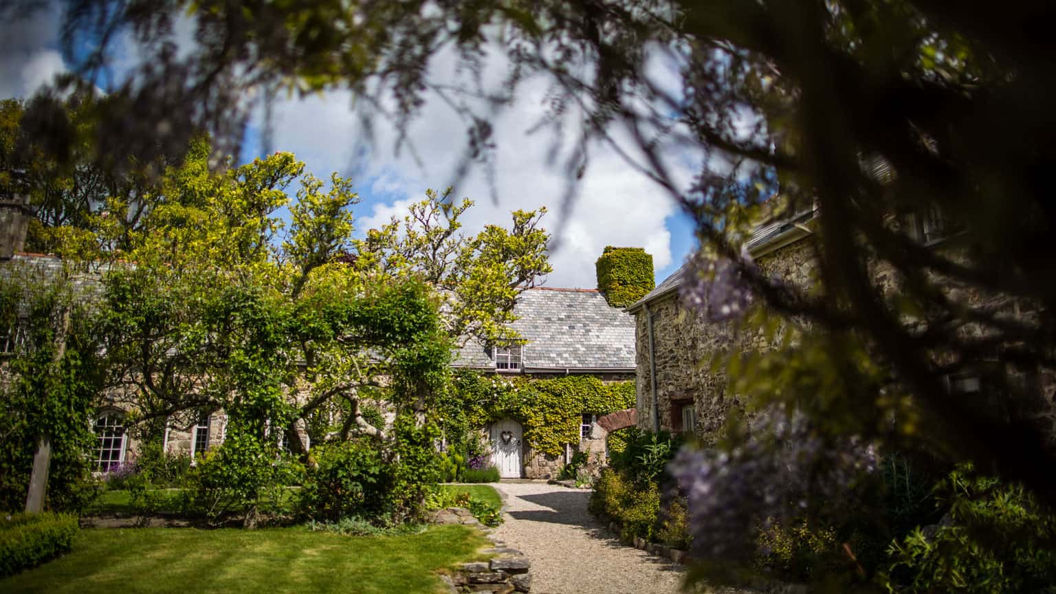 Gardens, Great Barn Devon, Wedding Venue in Devon