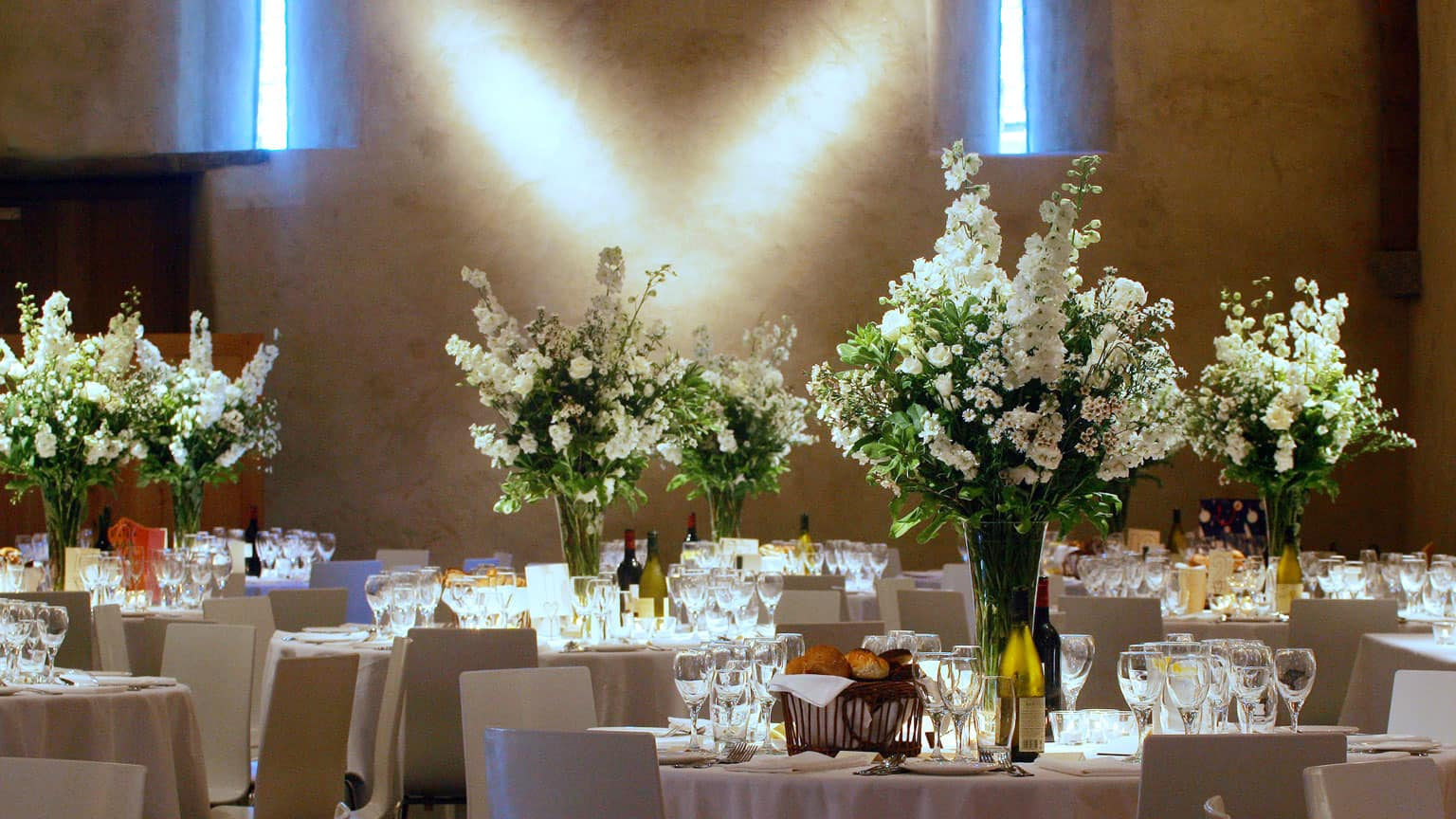 Wedding flowers wedding decorations the great barn devon wedding flowers the great barn debon wedding venue devon devon wedding venue junglespirit Gallery
